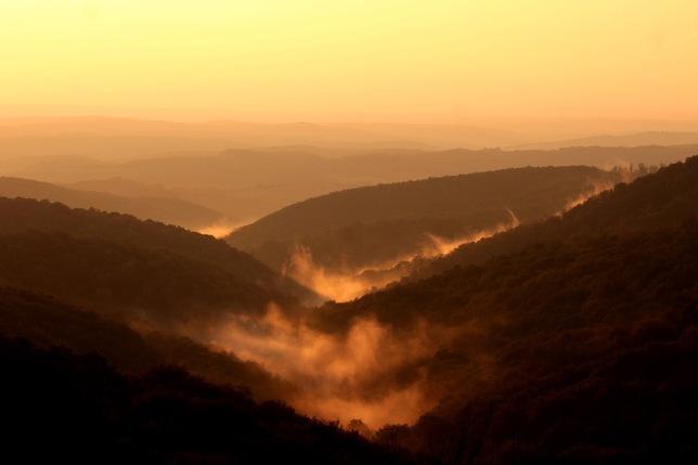 mountains-1752796_1920